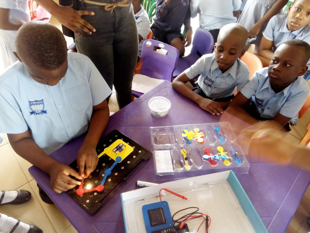 Pupils learning Electrical Circuit Principles